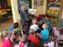 Żabki - Babcia Ksawerego czyta nam bajki