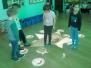 Żabki bawią sie na magicznym dywanie