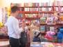 Żabki odwiedzają księgarnię