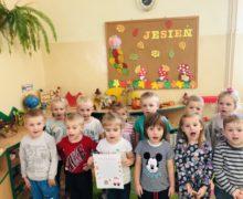 Przedszkolaki piszą listy do Świętego Mikołaja